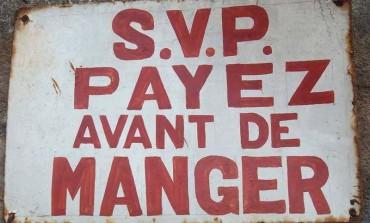 """"""" SVP Payez avant de manger """" Cotonou"""