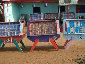 one-original-travel-guide-artisans-benin-afrique-baby-foot