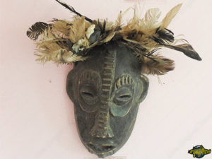 one-original-travel-guide-culture-benin-afrique-masque-a-plumes