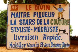 one-original-travel-guide-artisans-benin-afrique-couturier-maitre-piqueur-le-divin