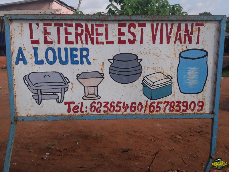 L'Eternel est Vivant - A louer - Comé - Bénin - One Original Travel Guide